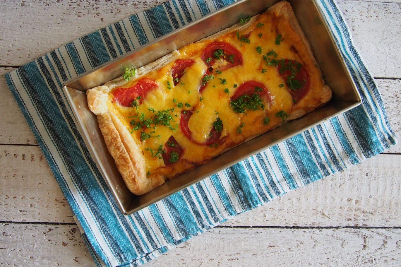 Pyragas su pomidorais