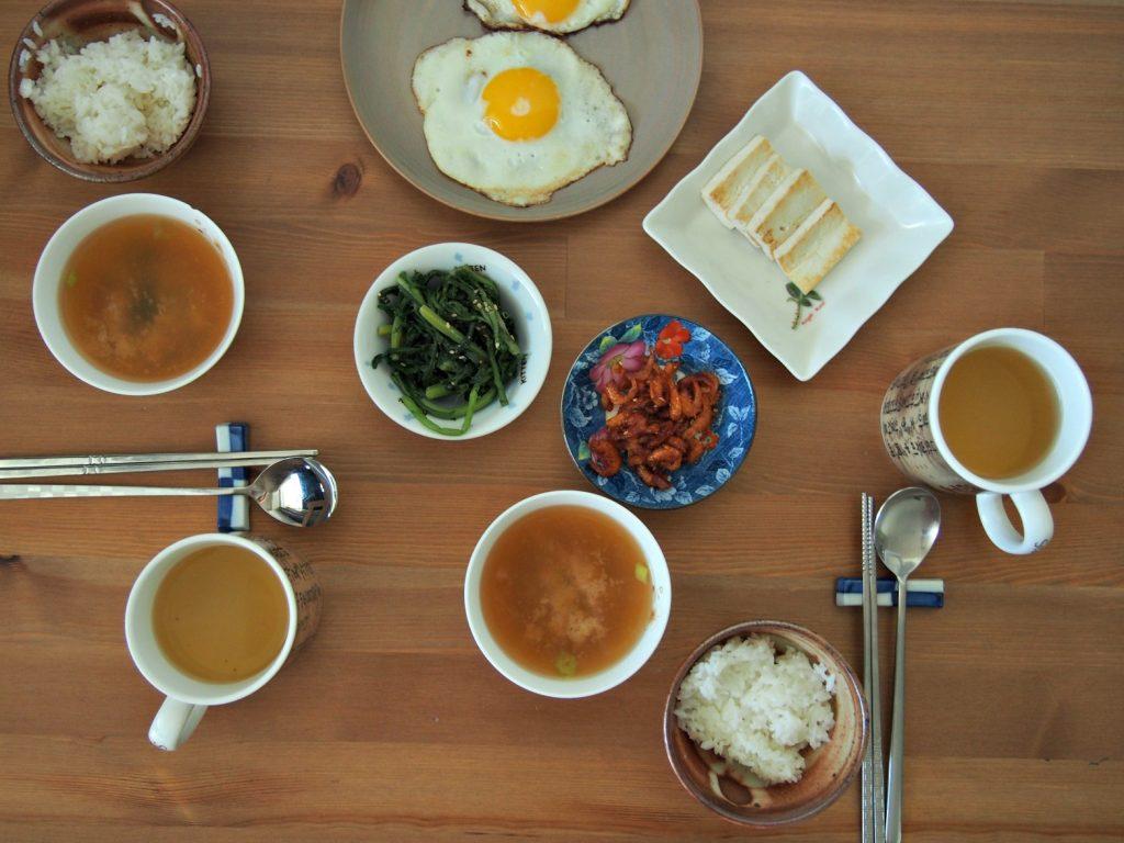 Pusryčiai namie – ryžiai, sriuba, bančanai