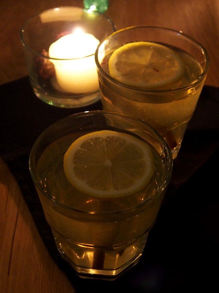 kokteilis su viskiu